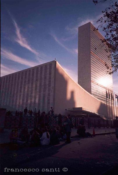 Attivisti per la pace chiedono un summit 2015 per l'abolizione del nucleare
